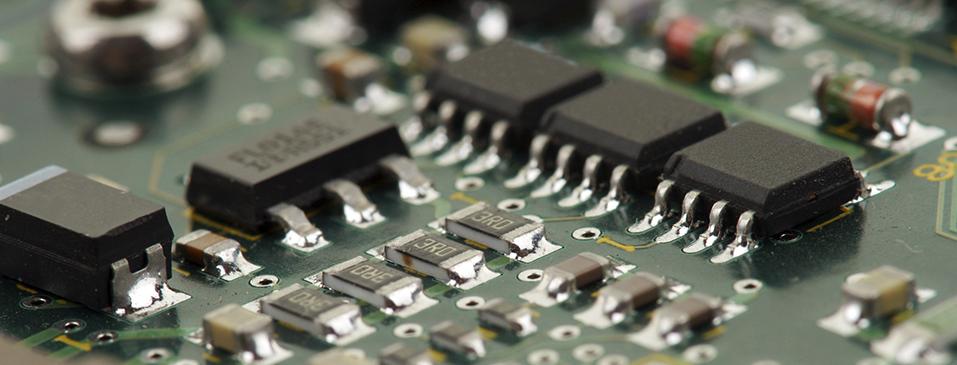 Detección de fugas y pruebas de hermeticidad en carcasas para electrónica